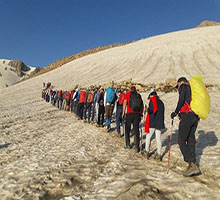 کوهنوردان آماده صعود